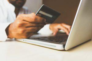 Compras por internet, mercados alternativos, desahogue de inventarios